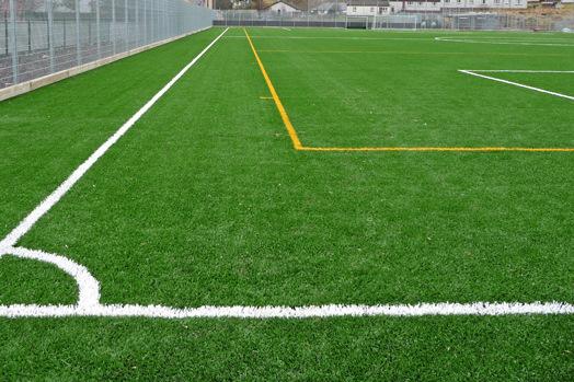 Fútbol de aficionados y césped artificial